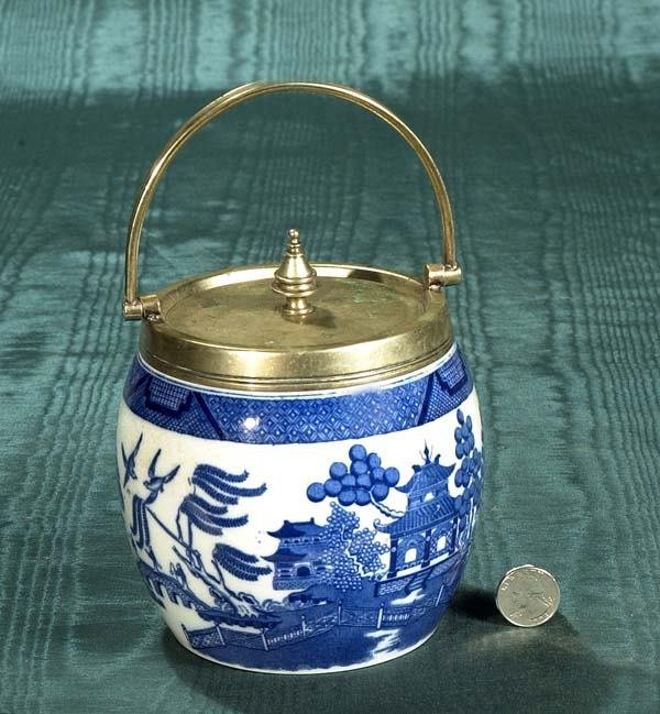 1014: Minton blue and white porcelain biscuit barrel wi