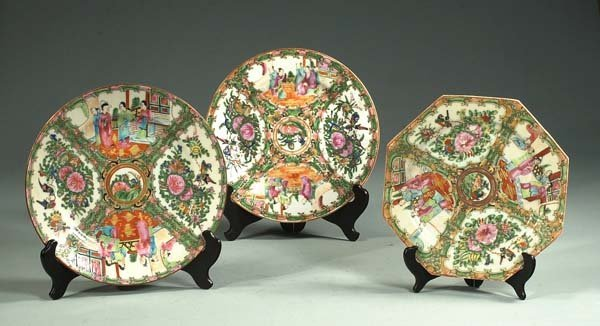 "15: Two 10"" Chinese Rose Medallion plates and a 9"" octa"