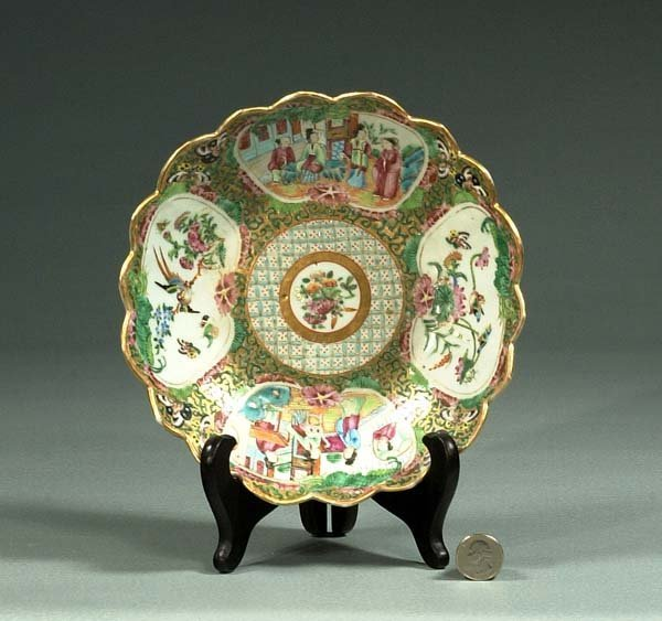 1019: Chinese Rose Medallion porcelain bowl with scallo
