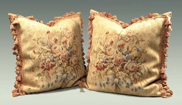 1020: Pair of Aubusson tapestry pillows with floral des
