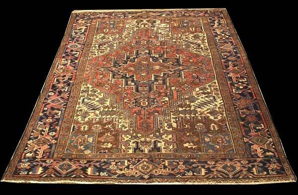 """113: 7' x 9'5"""" Heriz rug"""
