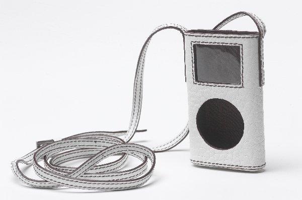 2: Carolina Herrera iPod Mini Case with Renee Zellweger