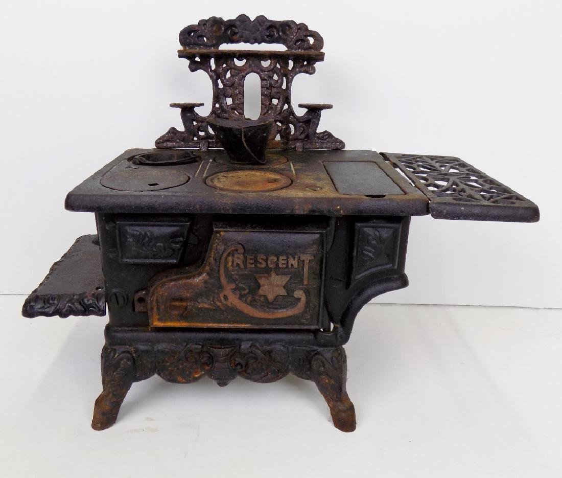 CHILDS CRESCENT STOVE