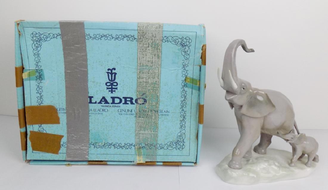 LLADRO ELEPHANTS