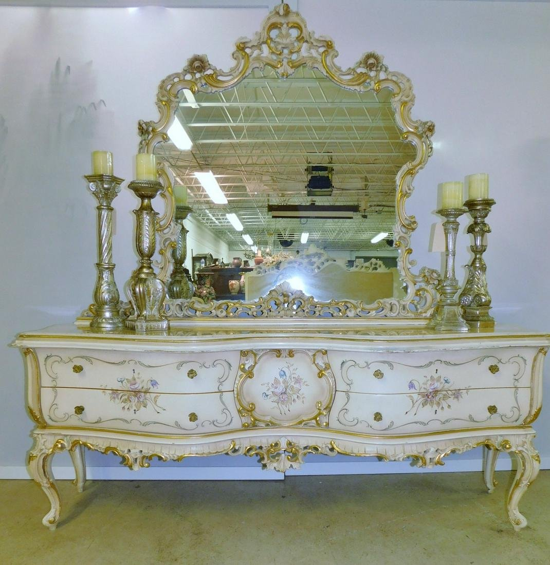 FRENCH PROVINCIAL MIRRORED DRESSER