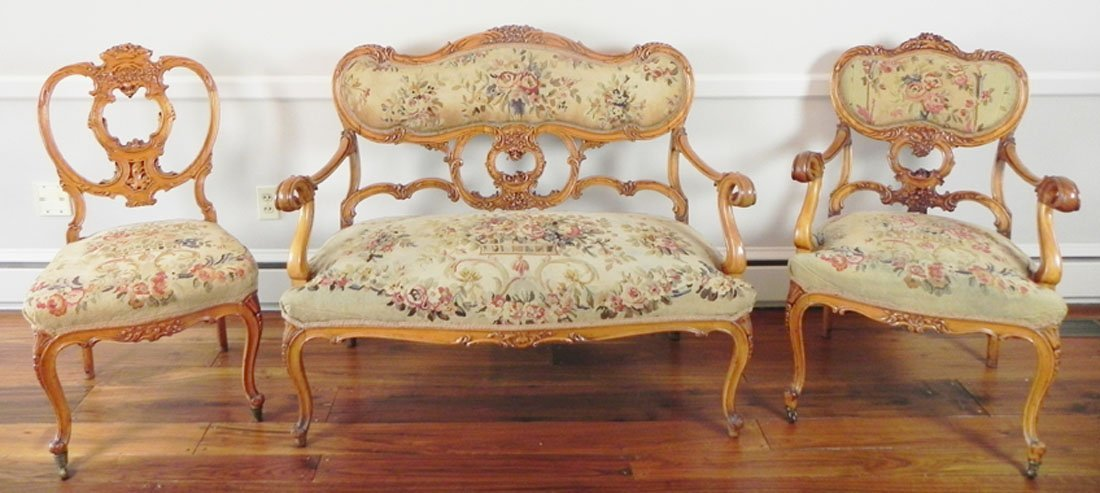 Pettipoint Parlor Set