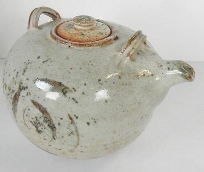 POTTERY TEA POT - 3