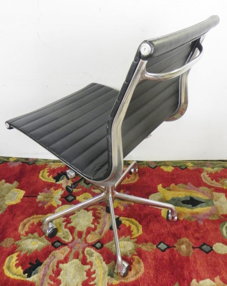 HERMAN MILLER OFFICE CHAIRS - 3