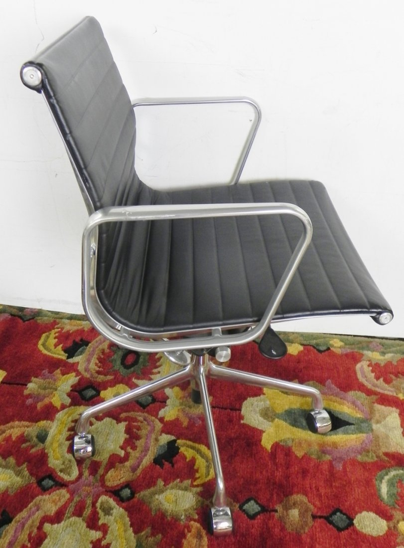 HERMAN MILLER OFFICE CHAIRS - 5