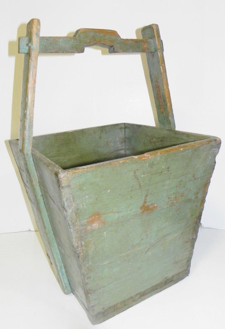 GREEN GRAIN BUCKET