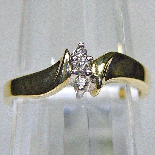 3020: 14KT Diamond Ring 0.10 TCW