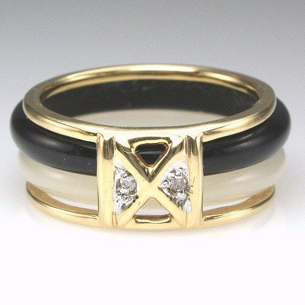 1027: 14KT Diam Black & White Onyx Ring Sz 4.5