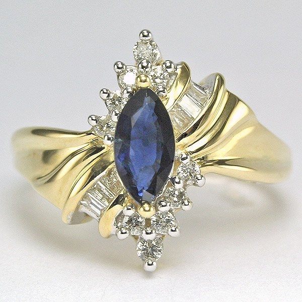 5022: 10KT 0.25tcw Diamond Sapphire Ring Size 7