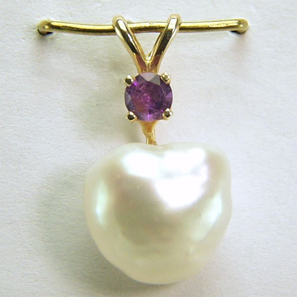 4003: 14KT Amethyst & Pearl Pendant 18x10mm 0.09cts