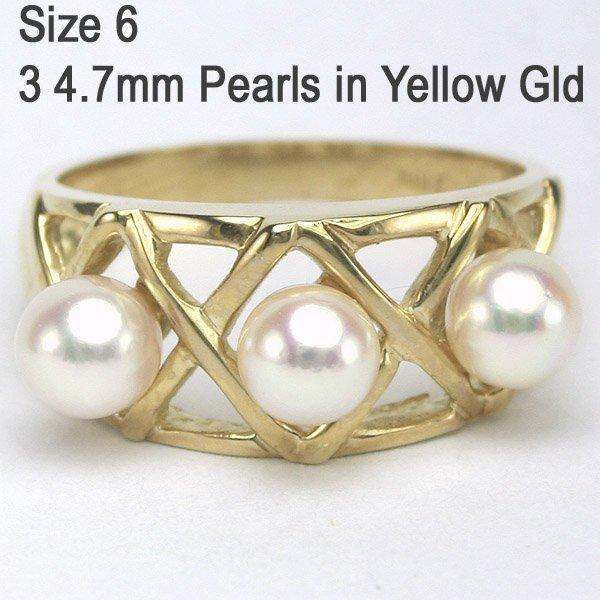2129: 10KT Three Pearl 4.7mm Ring Sz 6