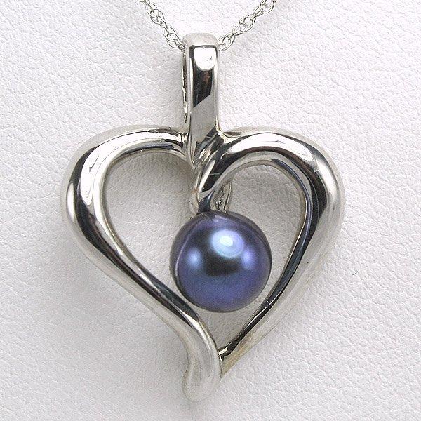 22127: 14KT 6mm Black Pearl Heart Pendant