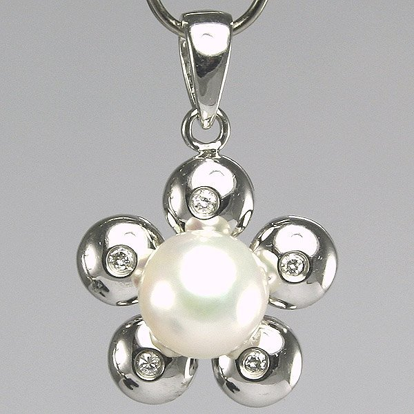 31300: 14KT Diamond Pearl Flower Pendant 0.04ct 21mm