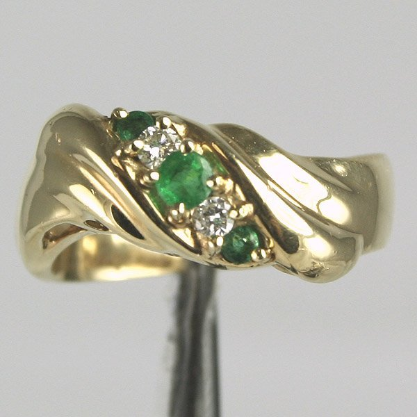 12015: 14KT 0.25CT Emerald 0.10CT Diamond Ring Sz 6