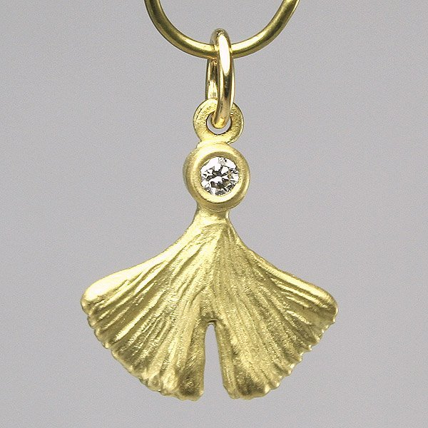 21216: 18KT Diamond Ginkgo Leaf Pendant 0.03ct
