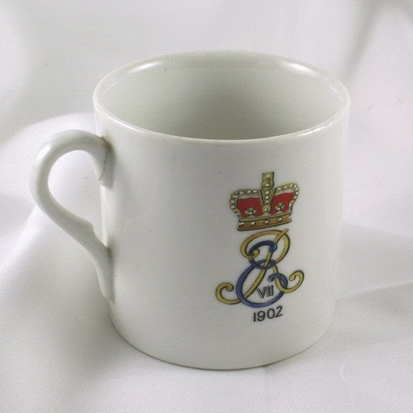 41013: 1902 King Edward VII Lithophane Cup