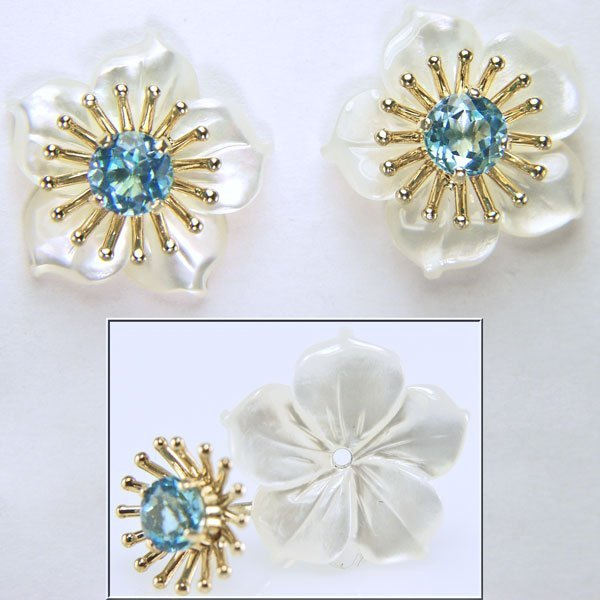 51011: 10KT Blue Topaz & MOP Flower Stud Earrings 15x15