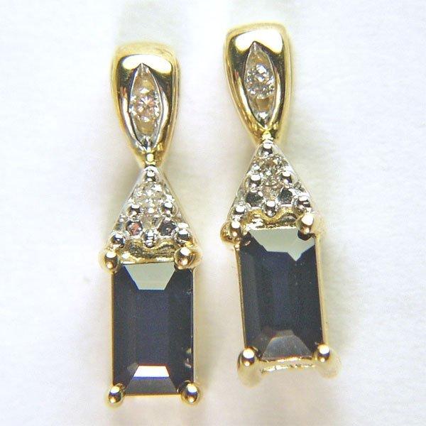 51697: 10KT Dia Sapphire Stud Earrings 0.04tcw 15x4mm