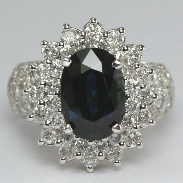 12036: 18KT Sapphire & Dia 4.95TCW Ring SZ 5.75