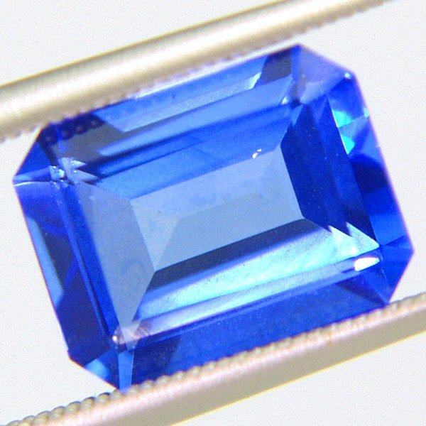 51028: Glacier Topaz 10x8mm Emerald Cut 4.68cts