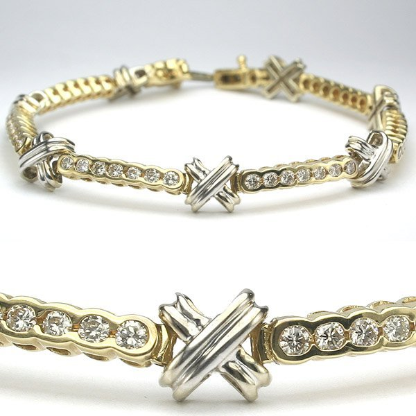 11319: 14KT 1.75tcw Diamond Cross Bracelet 7 in.