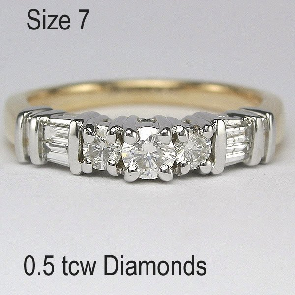 31321: 14KT 0.5tcw Diamond Two-Tone Ring Sz7