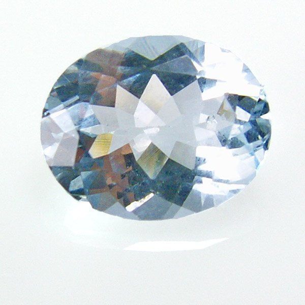 41012: 1.71ct Oval Cut Aquamarine 7x9mm