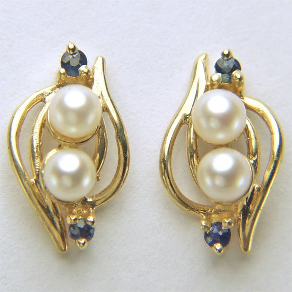 11047: 14KT 3mm Pearl & Sapphire stud Earrings 13x7mm