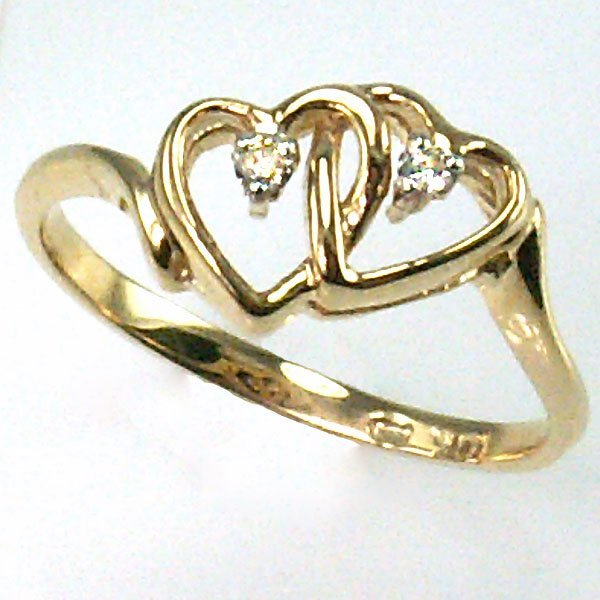 41018: 10KT DIAMOND DOUBLE HEART RING 0.05TCW SIZE 7