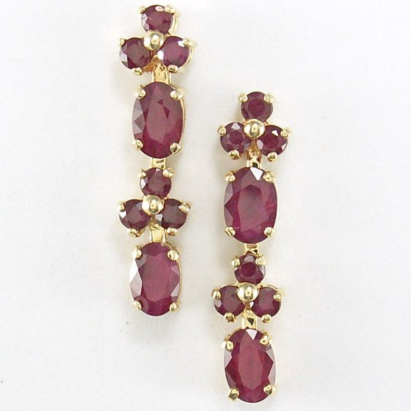 41025: 10KT RUBY DANGLE STUD EARRINGS 25X5MM