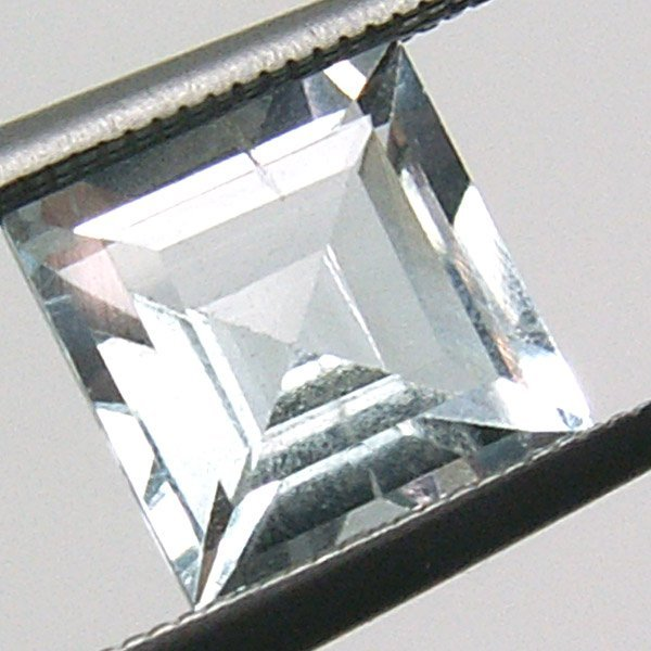 51013: AQUAMARINE 6X6MM 0.98CT