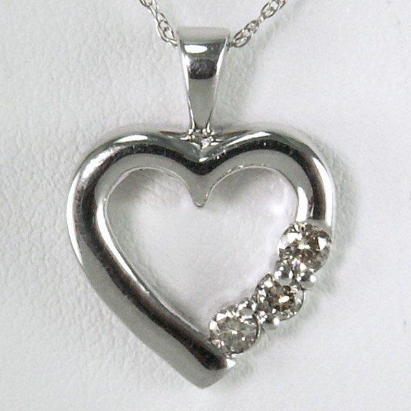 31029: 14KT DIAMOND HEART PENDANT 0.15TCW W/CHAIN