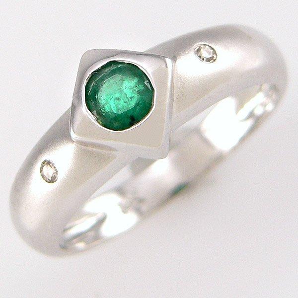 21001: 14KT EMERALD DIAMOND RING 0.39 TCW SZ 7