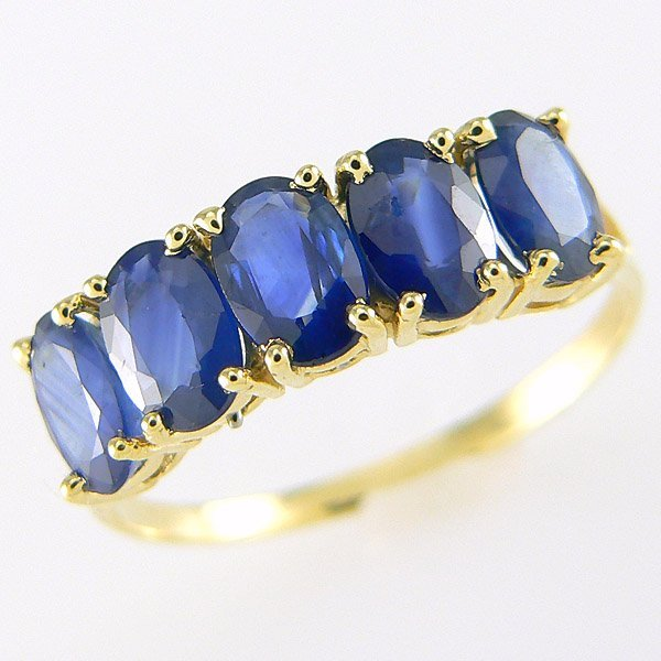 1027: 10KT SAPPHIRE RING 2.50CTS SZ 7.25