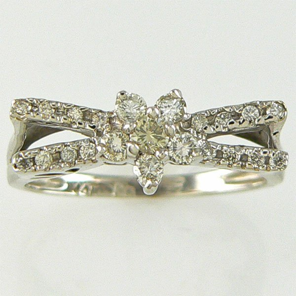 2019: 14KT DIAMOND FLOWER RING 0.40CTS SZ 7