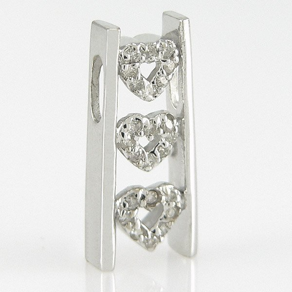 1022: 14KT DIAMOND HEART PENDANT 0.18TCW 18X8MM