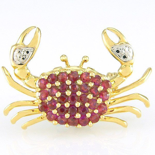 210047: 14KT RUBY CRAB PIN 1.05CTS 3.70GM