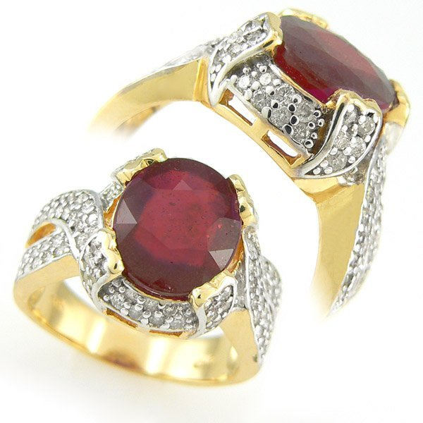 111440: RED RUBY & DIAMOND RING 0.45 CTW  10KT.GOLD