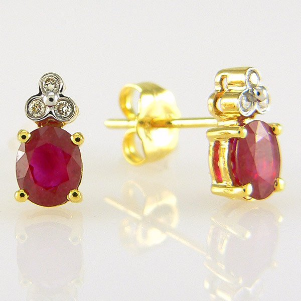 100051: 14KT DIA RUBY EARRINGS 1.04TCW