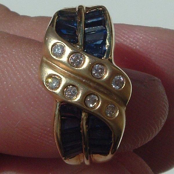 4004: Gorgeous 14KT Sapphire Diamond Ring - 2