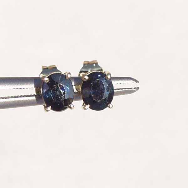 4006: 14KT Sapphire Earrings 0.79 TCW