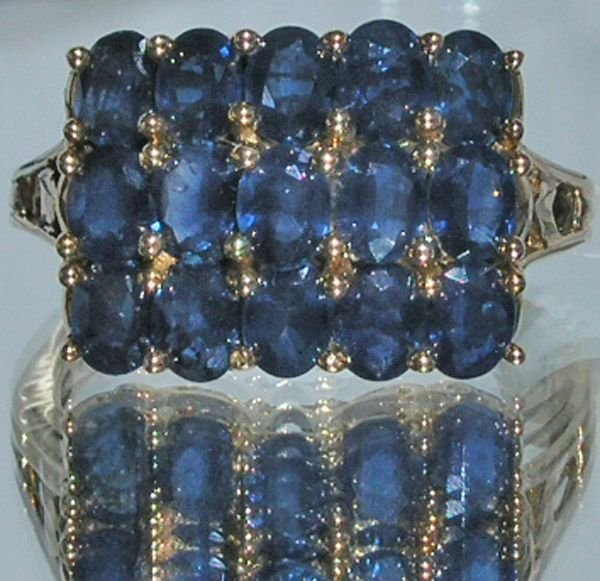 4014: 14KT Sapphire Cluster Ring
