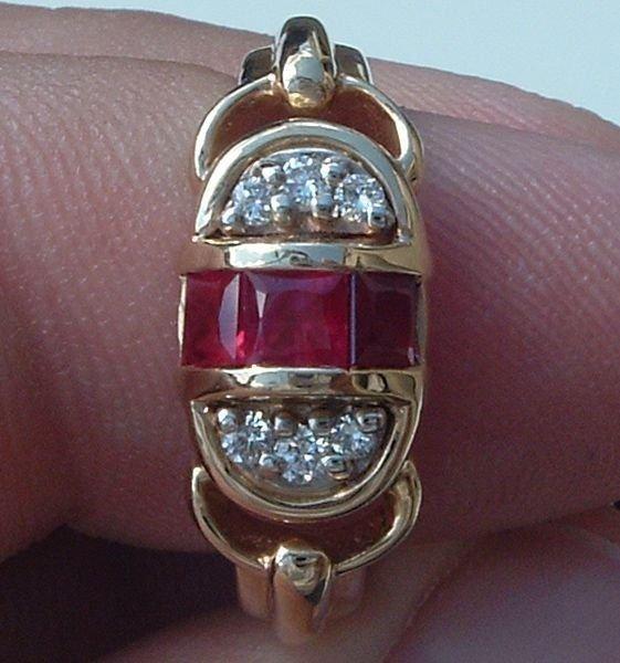 5002: 14KT Ruby Diamond Ring 0.61 TCW
