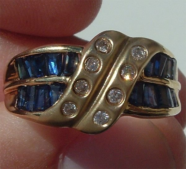 5004: Gorgeous 14KT Sapphire Diamond Ring