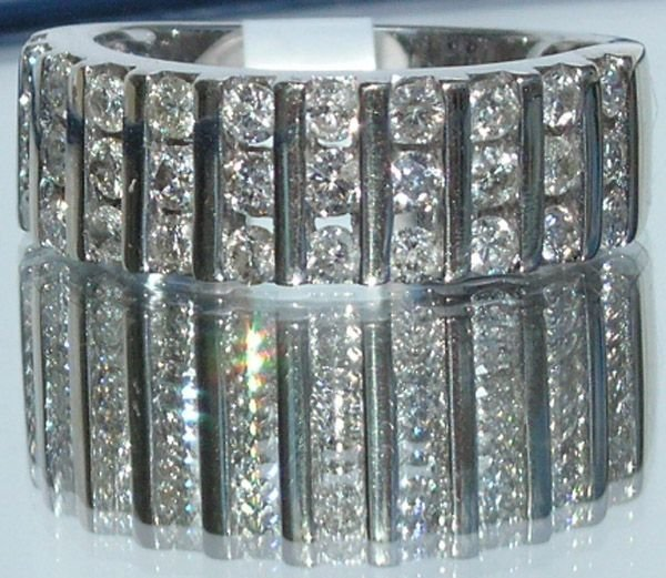 5009: 14KT 1 Carat Diamond Ring 1.00 TCW