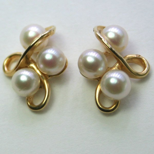 5022: 14KT Fancy Pearl Earrings